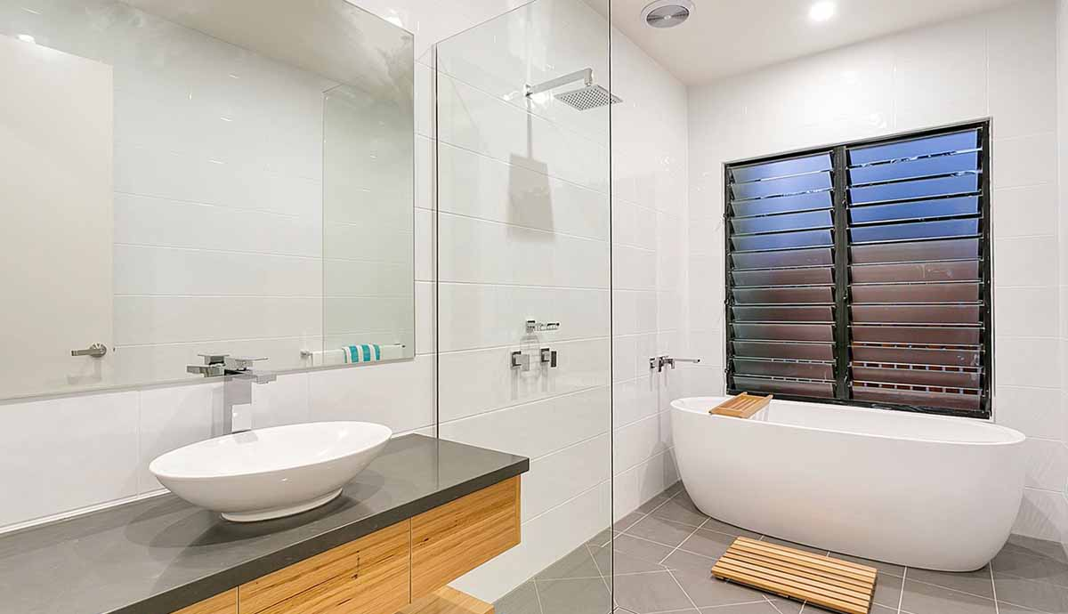 How to pick the right shower screens for your Bathroom